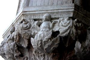4767_-_Venezia_-_Palazzo_ducale_-_Capitello_12_-_Stulticia_in_me_regnat_-_Foto_Giovanni_Dall'Orto,_31-Jul-2008